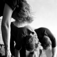 Hos os er en kropsterapeut også uddannet i at lede øvelser
